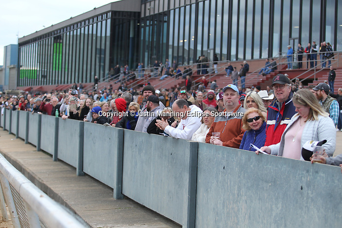 January 24, 2020: Racing fans before the running of the Smarty Jones Stakes at Oaklawn Racing Casino Resort in Hot Springs, Arkansas on January 24, 2020. Justin Manning/Eclipse Sportswire/CSM