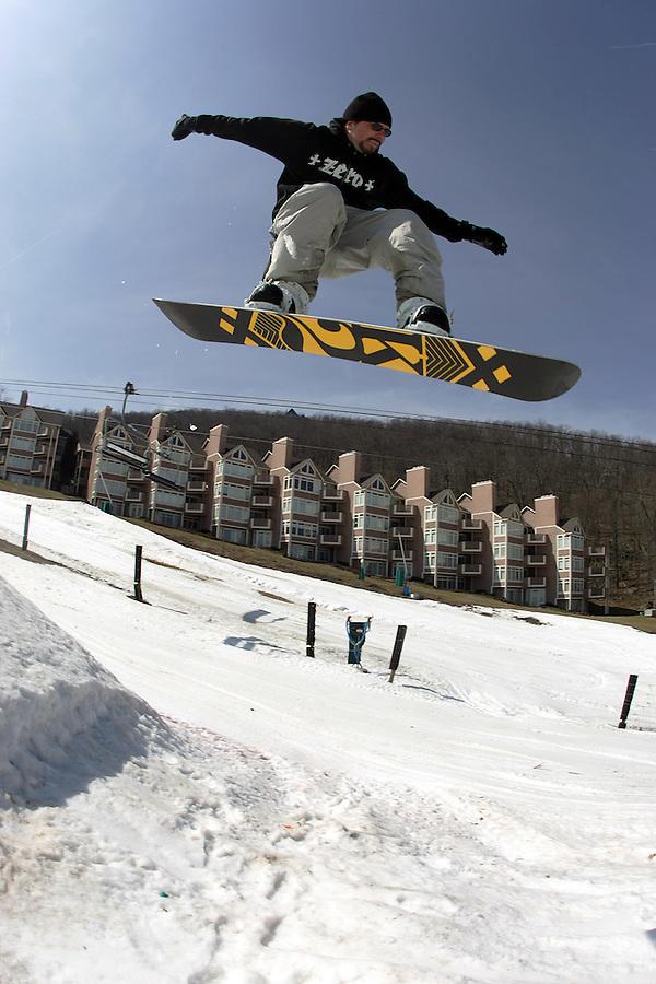 Snowboard, wintergreen, ski, snow, winter, season, outdoors, sports, slopes Photo/Andrew Shurtleff