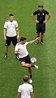 Niklas Süle (Deutschland Germany), Bundestrainer Joachim Loew (Deutschland Germany), Mats Hummels - *cs* 31.08.2017: Abschlusstraining Deutschland in Prag, Marriott Hotel