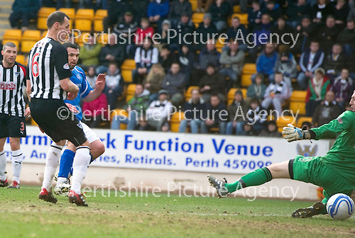 St Johnstone v Dunfermline....25.02.12   SPL.Callum Davidson makes it 2-0.Picture by Graeme Hart..Copyright Perthshire Picture Agency.Tel: 01738 623350  Mobile: 07990 594431