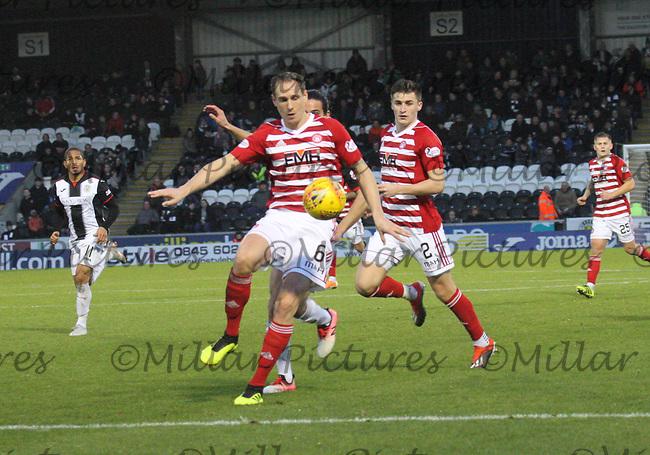 Matt Kilgallon intercepts to clear in the St Mirren v Hamilton Academical Scottish Professional Football League Ladbrokes Premiership match played at the Simple Digital Arena, Paisley on 1.12.18.
