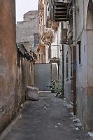 Palermo: alley in Albergheria district.<br /> Palermo: vicolo nel quartiere Albergheria