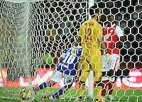 BOGOTA -COLOMBIA-06-04-2013: Mayer Candelo (Izq.), mediocampista de Millonarios, corre a celebrar el gol anotado durante partido en el estadio El Campín de la ciudad de Bogotá, abril 06 de 2013. Independiente Santa Fe perdió tres goles a uno con Millonarios en partido por la novena fecha de la Liga Postobon I. (Foto: VizzorImage / Luis Ramírez / Staff). Mayer Candelo (R), midfielder of Millonarios runs to celebrate a goal scored during a match at El Campin stadium in Bogota, April 06, 2013. Independiente Santa Fe lost three goals to one with Millonarios in a match for the ninth date of the League Postobon I. (Photo: VizzorImage / Lus Ramírez / Staff).
