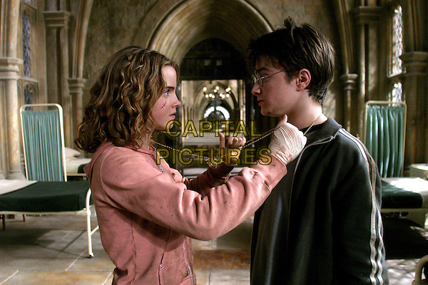 EMMA WATSON & DANIEL RADCLIFFE .in Harry Potter And The Prisoner of Azkaban.Filmstill - Editorial Use Only.CAP/AWFF.supplied by Capital Pictures.