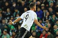 celebrate the goal, Torjubel zum 0:2 von Sandro Wagner (Deutschland Germany) - 05.10.2017: Nordirland vs. Deutschland, WM-Qualifikation Spiel 9, Windsor Park Belfast