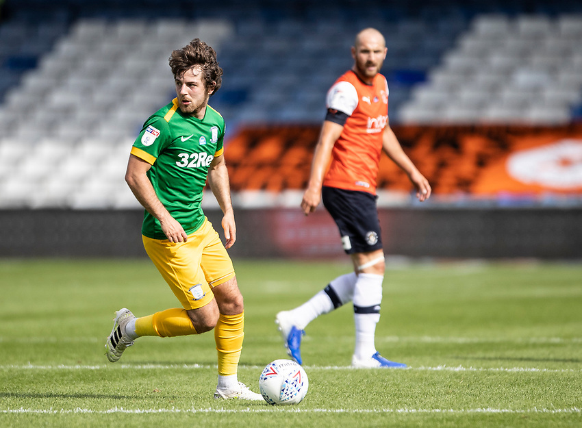 Preston North End's Ben Pearson breaks<br /> <br /> Photographer Andrew Kearns/CameraSport<br /> <br /> The EFL Sky Bet Championship - Luton Town v Preston North End - Saturday 20th June 2020 - Kenilworth Road - Luton<br /> <br /> World Copyright © 2020 CameraSport. All rights reserved. 43 Linden Ave. Countesthorpe. Leicester. England. LE8 5PG - Tel: +44 (0) 116 277 4147 - admin@camerasport.com - www.camerasport.com