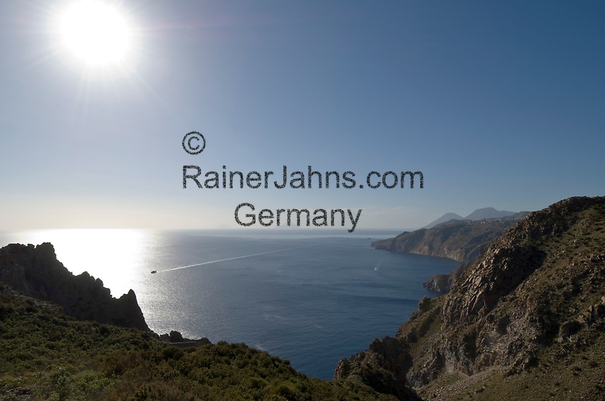 ITA, Italien, Sizilien, Liparischen Inseln, Hauptinsel Lipari: die rauhe Suedwestkueste im Gegenlicht | ITA, Italy, Sicily, Aeolian Islands or Lipari Islands, main island Lipari: rough southwest coast in backlight