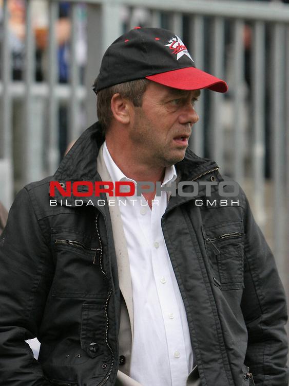 2.Liga FBL 2009/2010  Testspiel<br /> FC St.Pauli vs. Heart of Midlothian 2:0 (1:0)<br /> <br /> <br /> Pr&auml;sident Corny Littmann<br /> <br /> <br /> Foto &copy; nph (nordphoto)<br /> <br /> *** Local Caption ***