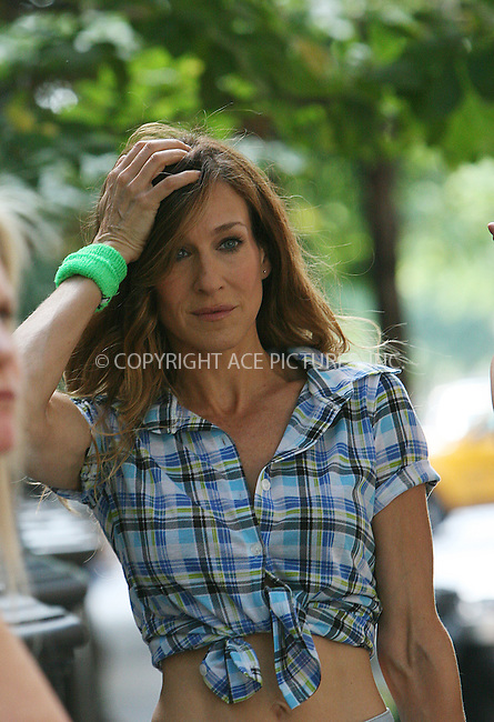WWW.ACEPIXS.COM . . . . .  ....September 4 2009, New York City....Actress Sarah Jessica Parker  on the set of the new 'sex and the city' movie on September 4 2009 in New York City....Please byline: NANCY RIVERA - ACEPIXS.COM.... *** ***..Ace Pictures, Inc:  ..tel: (212) 243 8787..e-mail: info@acepixs.com..web: http://www.acepixs.com