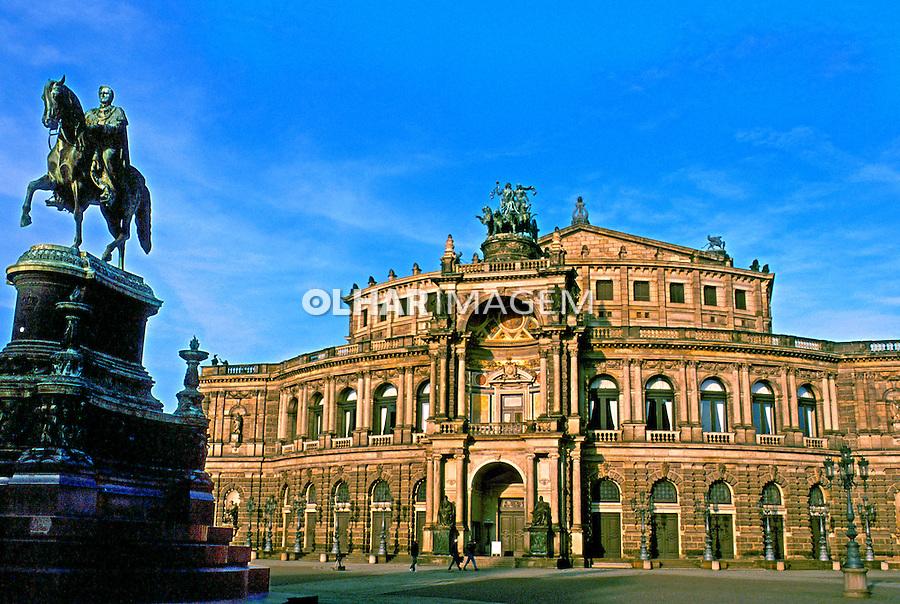 Cidade de Dresden. Alemanha. 2000. Foto de Ricardo Azoury.