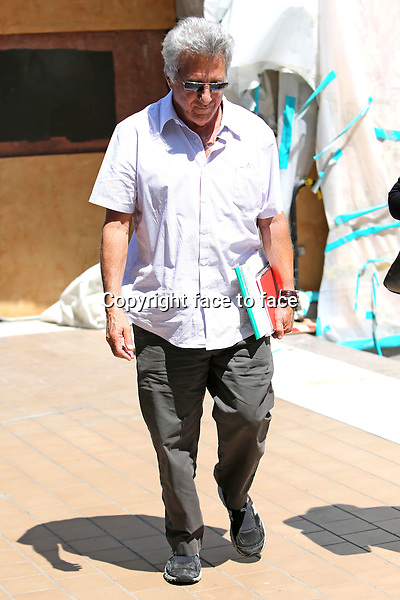Dustin Hoffman and wire having lunch at the tavern in Brentwood on june 9, 2013<br /> <br /> Credit: Vida/face to face
