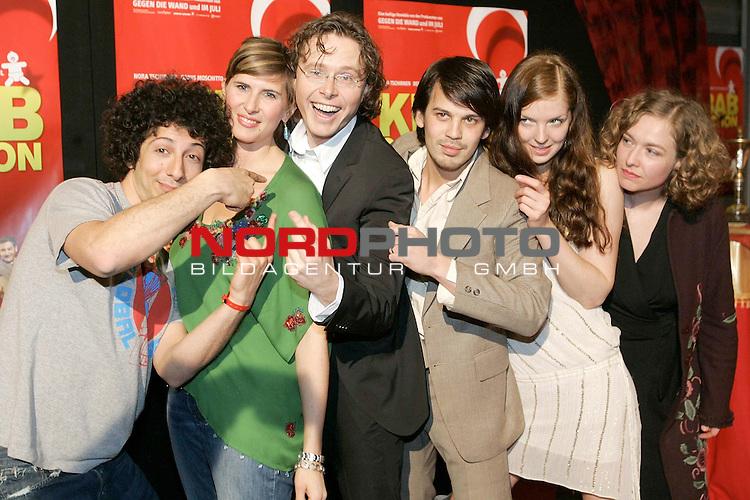 Deutschlandpremiere &quot;Kebab Connection&quot; im UCI-Kino Ottmarschen Hamburg Kinostart 21.April<br /> <br /> Fahri OgŁn Yardim, ????, Anno Saul, ??????????<br /> <br /> Foto &copy; nordphoto / Anja Heinemann<br /> <br />  *** Local Caption *** Foto ist honorarpflichtig! zzgl. gesetzl. MwSt.<br />  Belegexemplar erforderlich<br /> Adresse: nordphoto<br /> Georg-Reinke-Strasse 1<br /> 49377 Vechta