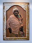 Lazaro Niebla's Carved wood portraits of Cuban lady