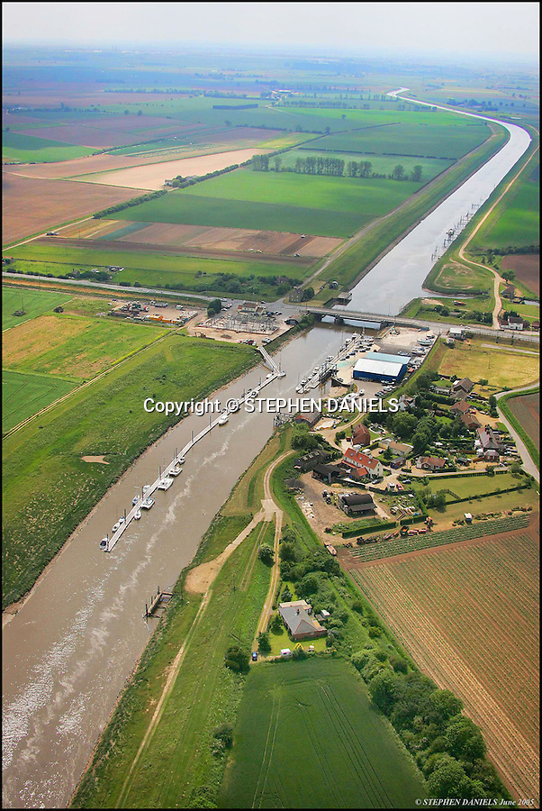 PHOTO BY &copy; STEPHEN DANIELS 18.06.2005<br />