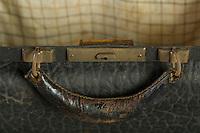 Willard Suitcases / Edith S / ©2016 Jon Crispin