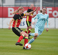 20171123 - TUBIZE , BELGIUM : Belgian Julie Biesmans (L) and Russian Komissarova (R) pictured during a friendly game between the women teams of the Belgian Red Flames and Russia at complex Euro 2000 in Tubize , Thursday  23 October 2017 ,  PHOTO Dirk Vuylsteke | Sportpix.Be