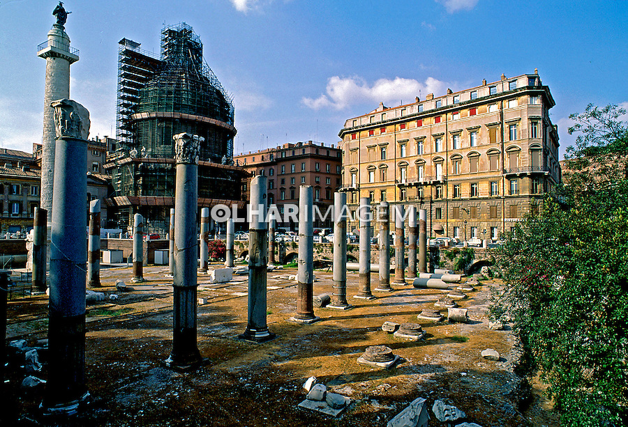 Ruinas do Mercado de Traiano em Roma. Itália. 1998. Foto de Juca Martins.
