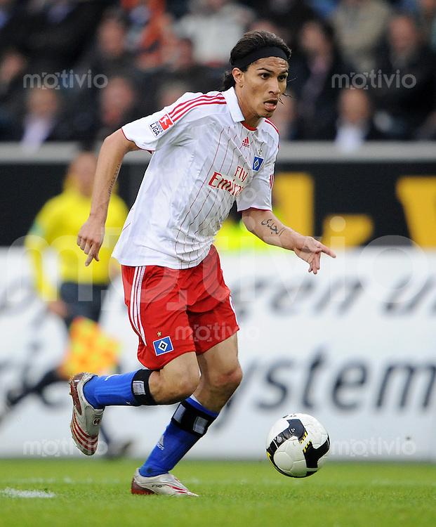 FUSSBALL   1. BUNDESLIGA   SAISON 2008/2009   5. SPIELTAG VfL Wolfsburg - Hamburger SV                              21.09.2008 Paolo GUERRERO (Hamburger SV) Einzelaktion am Ball