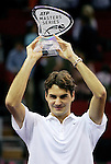 Switzerland's Roger Federer with his Madrid Masters Series tennis tournament trophy after defeating Chile's Fernando Gonzalez at Madrid Arena, Saturday 21 October, 2006. (ALTERPHOTOS/Alvaro Hernandez).