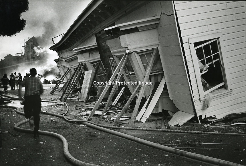 1989 Loma Prieta Earthquake: The Marina District of San Francisco burning. (Oakland Tribune Photo)