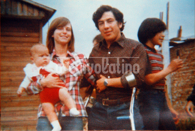 Foto de familia: Claudia Poblete, bebe, con su madre  Gertrudis Hlaczik y su padre Jose Liborio Poblete   en Buenos Aires en 1978. Pocas semanas despues de esa foto su madre y padre fueron secuestrados y ella misma entregada al militar Ceferino Landa, que la adopto como hija propia. Tras mas de 20 anos Claudia supo la verdad y conocio a su familia biologica.+derechos, humanos, desaparecidos , dictadura, militart*Family portrait: Claudia Poblete as a baby with her  mother Gertrudis Hlaczik and father, Jose Liborio Poblete,  in  Buenos Aires. Few weeks after that photo her mother and father, Jose Liborio Poblete, were  kidnaped by ruling military dictatorship and Claudia was apropiated by  retired Army Lt. Col. Ceferino Landa, who raised her as her own child.+human, rights, dissapeared..