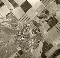 historical aerial photograph Coalinga, Fresno County, California, 1975