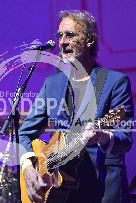 Mike Rutherford von Mike and the Mechanics live in der Hamburger Laeiszhalle. Hamburg, 22.04.2019