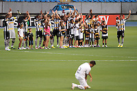 RIO DE JANEIRO; RJ; 07 DE FEVEREIRO 2013 - BOTAFOGO x RESENDE - Time do Botafogo se apresenta no gramado para o jogo contra Resende no Estádio João Havelange, Engenhão, pela sexta rodada da Taça Guanabara do Campeonato Carioca. FOTO: NÉSTOR J. BEREMBLUM - BRAZIL PHOTO PRESS.