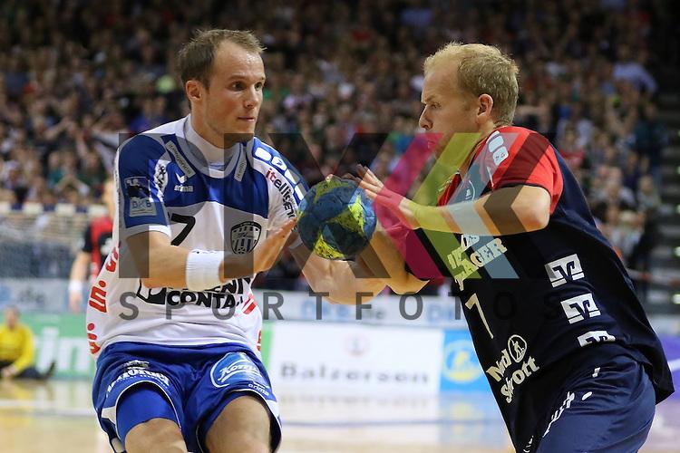 Flensburg, 16.05.2015, Sport, Handball, DKB Handball Bundesliga, Saison 2014/2015, SG Flensburg-Handewitt - TBV Lemgo : Tim Hornke (TBV Lemgo, #17), Anders Eggert (SG Flensburg-Handewitt, #07)<br /> <br /> Foto &copy; P-I-X.org *** Foto ist honorarpflichtig! *** Auf Anfrage in hoeherer Qualitaet/Aufloesung. Belegexemplar erbeten. Veroeffentlichung ausschliesslich fuer journalistisch-publizistische Zwecke. For editorial use only.