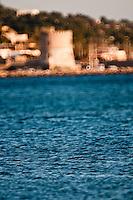 Posto Vecchio - Marina di Salve - Salento. stralci di pomeriggio attorno al mare d'inverno. Sullo sfondo la torre costiera di Torre Vado.