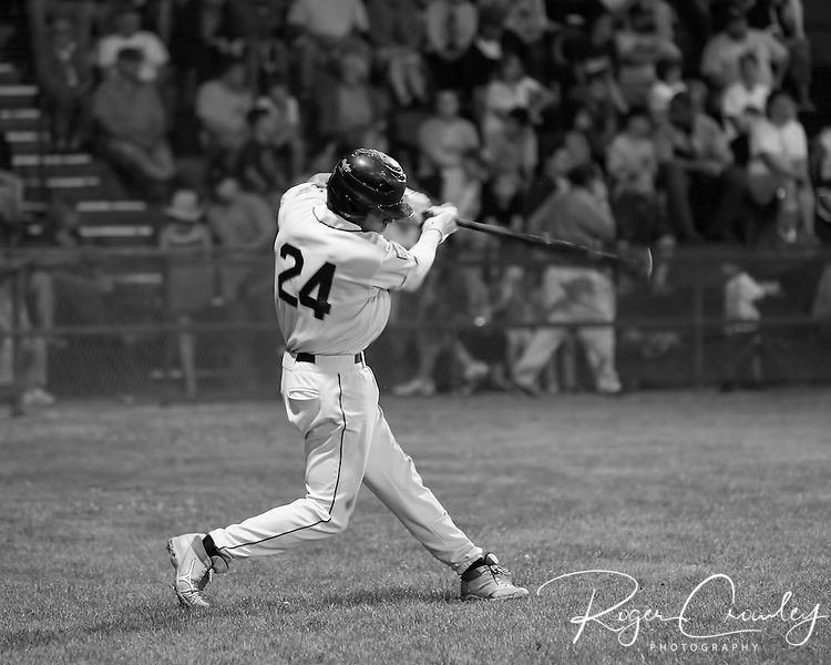 The Vermont Mountaineers defeated the Mystic Schooners 6-4 in the last regular season game in Montpelier.