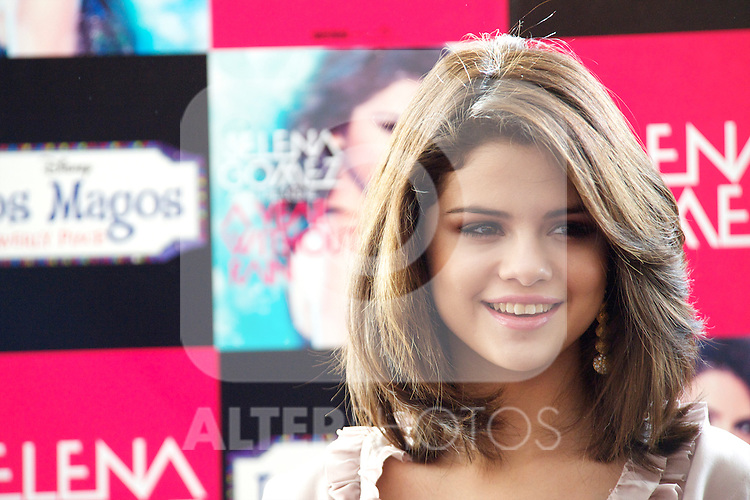 "Selena Gomez attends the photocall to promote his series 'Wizards of Waverly Place' and presents his album ""A Year Without Rain""at Me Hotel in Madrid.Photo: Billy Chappel  / ALFAQUI"