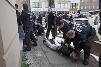 16-05-15 Rangeleien und Festnahmen bei Anti-Israel Protest