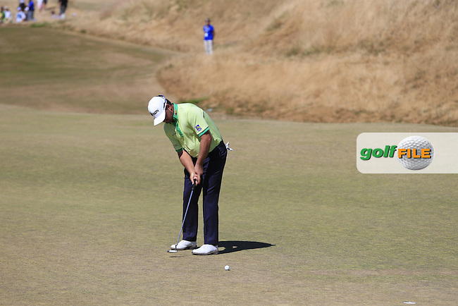 Graeme McDOWELL (NIR) putts on the 6th green during Friday's Round 2 of the 2015 U.S. Open 115th National Championship held at Chambers Bay, Seattle, Washington, USA. 6/19/2015.<br /> Picture: Golffile | Eoin Clarke<br /> <br /> <br /> <br /> <br /> All photo usage must carry mandatory copyright credit (&copy; Golffile | Eoin Clarke)