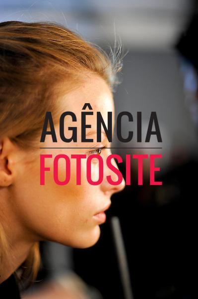 São Paulo, Brasil – 12/06/2010 - Backstage da grife Animale durante o São Paulo Fashion Week  -  Verao 2011. Foto : Gustavo Scatena / Ag. Fotosite