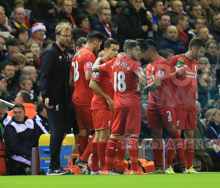 Liverpool's Jurgen Klopp speaks to his players<br /> <br /> Barclays Premier League- Liverpool vs Leicester City - Anfield - England - 26th December 2015 - Picture David Klein/Sportimage