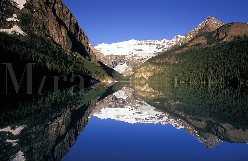 Canada, Alberta, Banff National Park. Lake Louise and Victoria Glacier