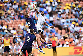 January 27th, Hamilton, New Zealand;  Scotland's Harvey Elms and USA's Carlin Isles contest for a high ball during the Day 2 of the HSBC World Rugby Sevens Series 2019, FMG Stadium Waikato,Hamilton, Sunday 27th January 2019.