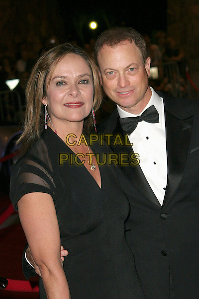 MOIRA HARRIS & GARY SINISE.17th Annual Palm Springs International Film Festival Gala Awards Presentation - Arrivals held at the Palm Springs Convention Center, Palm Springs, California. .January 7th, 2005.Photo: Zach Lipp/AdMedia/Capital Pictures.Ref: ZL/ADM.half length bow tie.www.capitalpictures.com.sales@capitalpictures.com.© Capital Pictures.