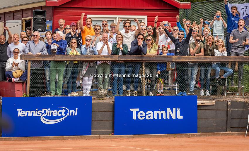 Zandvoort, Netherlands, 9 June, 2019, Tennis, Play-Offs Competition, Zandvoort supporters<br /> Photo: Henk Koster/tennisimages.com