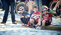 Dwars door Vlaanderen 2012.fans waiting on the Oude Kwaremont