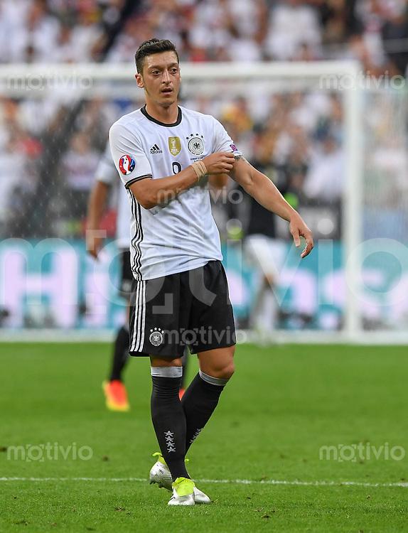 FUSSBALL EURO 2016 GRUPPE C IN PARIS Deutschland - Polen    16.06.2016 Mesut Oezil (Deutschland)