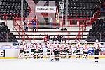 S&ouml;dert&auml;lje 2014-10-23 Ishockey Hockeyallsvenskan S&ouml;dert&auml;lje SK - Malm&ouml; Redhawks :  <br /> Malm&ouml; Redhawks spelare tackar ett f&aring;tal Malm&ouml; Redhawks supportrar efter matchen mellan S&ouml;dert&auml;lje SK och Malm&ouml; Redhawks <br /> (Foto: Kenta J&ouml;nsson) Nyckelord: Axa Sports Center Hockey Ishockey S&ouml;dert&auml;lje SK SSK Malm&ouml; Redhawks jubel gl&auml;dje lycka glad happy supporter fans publik supporters
