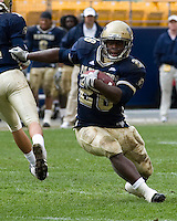 30 September 2006: Pitt running back Shane Brooks..The Pitt Panthers defeated the Toledo Rockets 45-3 on September 30, 2006 at Heinz Field, Pittsburgh, Pennsylvania.