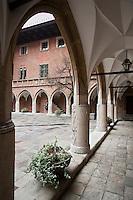 Europe/Voïvodie de Petite-Pologne/Cracovie:  Cour du Collegium Maius - Université<br /> Le Collegium Maius (ou Grand Collège) est le plus ancien bâtiment de l'Université jagellonne de Cracovie en Pologne.<br /> Il est situé à l'angle des rues ulica Jagiellon´ska et ulica S´wie˛tej Anny. -  Vieille ville (Stare Miasto) classée Patrimoine Mondial de l'UNESCO,