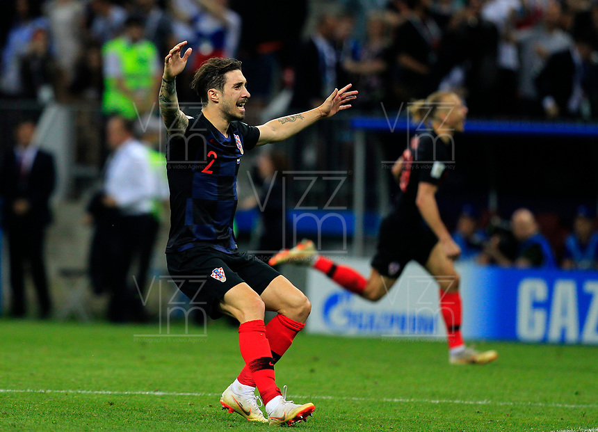 MOSCU - RUSIA, 11-07-2018: Sime VRSALJKO jugador de Croacia celebra después de anotar el segundo gol de su equipo a Inglaterra durante partido de Semifinales por la Copa Mundial de la FIFA Rusia 2018 jugado en el estadio Luzhnikí en Moscú, Rusia. / Sime VRSALJKO player of Croatia celebrates after scoring the second goal of his team to England during match of Semi-finals for the FIFA World Cup Russia 2018 played at Luzhniki Stadium in Moscow, Russia. Photo: VizzorImage / Julian Medina / Cont