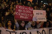 SÃO PAULO,SP, 08.06.2016 - PROTESTO-SP - Feministas caminham pela Avenida Paulista durante mais um ato contra a cultura do estupro, em São Paulo, nesta quarta-feira. Durante a concentração do protesto, as manifestantes promoveram um abaixo-assinado da plataforma Change.org para que o Twitter libere os nomes de usuários que compartilharam vídeo de estupro.   (Foto: Ciça Neder/Brazil Photo Press)