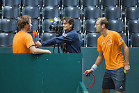 Switserland, Genève, September 16, 2015, Tennis,   Davis Cup, Switserland-Netherlands, Practise Dutch team, Thiemo de Bakker trying to interrupt the video recording of Tennis TV's Jan-Willem de Lange with Matwe Middelkoop<br /> Photo: Tennisimages/Henk Koster