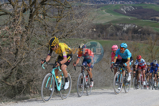The peloton including Wout Van Aert (BEL) Team Jumbo-Visma give chase on sector 8 Monte Santa Maria during Strade Bianche 2019 running 184km from Siena to Siena, held over the white gravel roads of Tuscany, Italy. 9th March 2019.<br /> Picture: Seamus Yore | Cyclefile<br /> <br /> <br /> All photos usage must carry mandatory copyright credit (© Cyclefile | Seamus Yore)