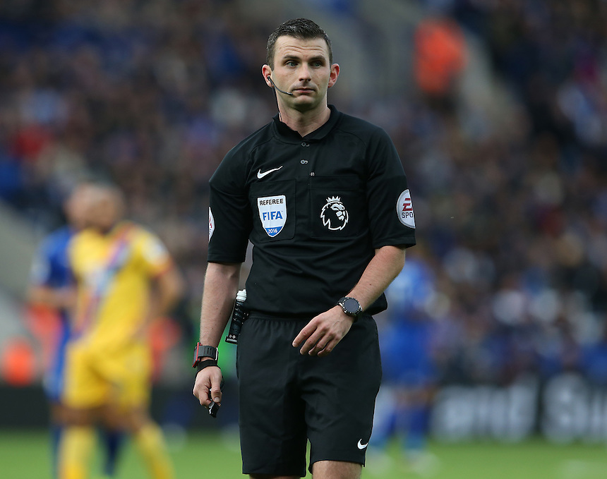 Referee Michael Oliver<br /> <br /> Photographer Stephen White/CameraSport<br /> <br /> The Premier League - Leicester City v Crystal Palace - Saturday 22nd October 2016 - King Power Stadium - Leicester<br /> <br /> World Copyright &copy; 2016 CameraSport. All rights reserved. 43 Linden Ave. Countesthorpe. Leicester. England. LE8 5PG - Tel: +44 (0) 116 277 4147 - admin@camerasport.com - www.camerasport.com